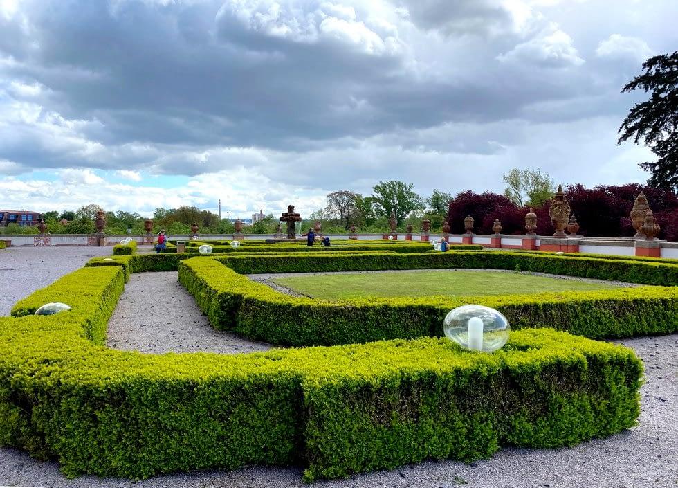 zahrady Trojského zámku