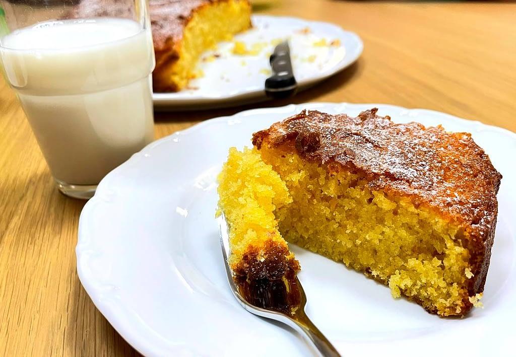 Mandarinkový koláč s mlékem