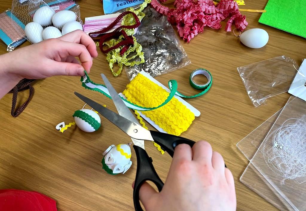 zdobení plastového vajíčka, Suplujeme - děláme domácí velikonoční výzdobu