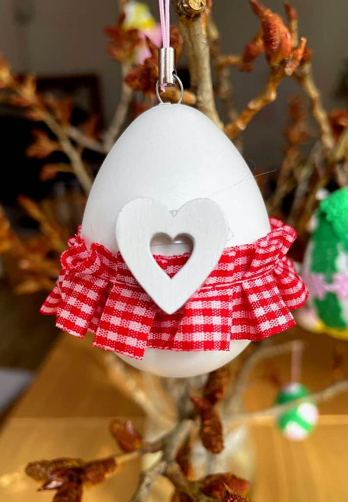 zdobené vajíčko, Suplujeme - děláme domácí velikonoční výzdobu